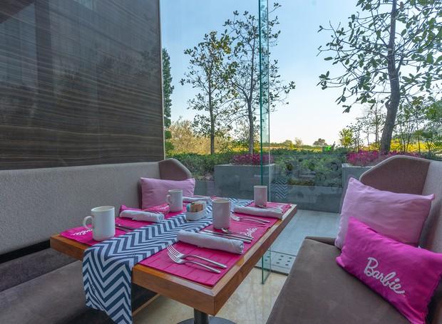 As refeições temáticas da Barbie contam até com pizza de coração (Foto: Hilton Mexico City Santa Fé/ Reprodução)