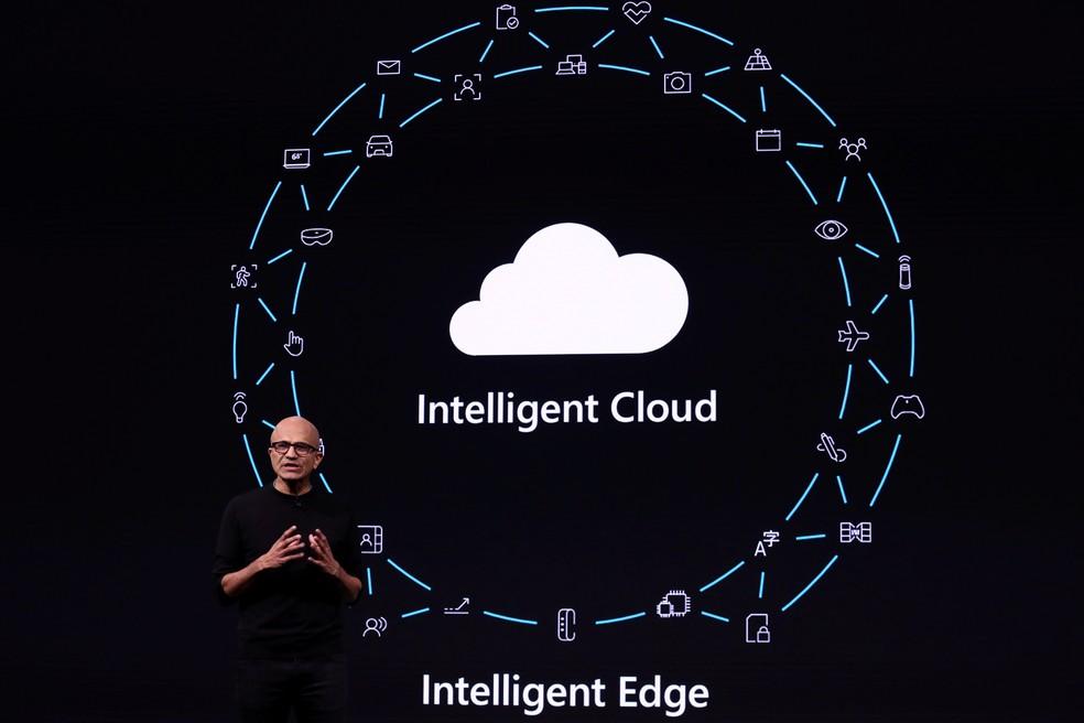 Presidente executivo da Microsoft, Satya Nadella, durante discurso — Foto: Sergio Perez/Reuters
