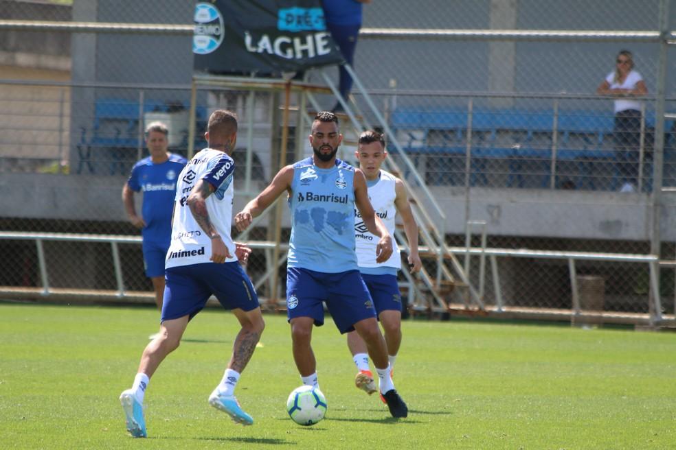 Maicon em treino do Grêmio — Foto: Eduardo Moura