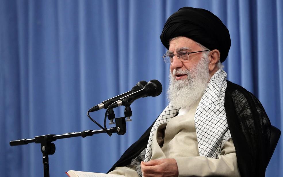 Imagem do aiatolá Khamenei foi divulgada pelo site oficial do líder supremo do Irã — Foto: Site do Líder Supremo Iraniano / via AFP Photo