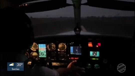 Piloto faz pouso de emergência após bater em cachorro