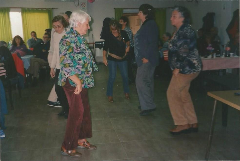 A ciência deu mais um passo para demonstrar que pessoas mais velhas que se sentem mais jovens do que realmente são apresentam menos sinais de envelhecimento do cérebro (Foto: https://upload.wikimedia.org/wikipedia/commons/8/8f/Laura_Rodr%C3%ADguez.jpg)