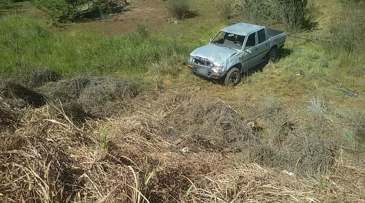 Motorista dorme ao volante e capota picape na BR-174, em Boa Vista
