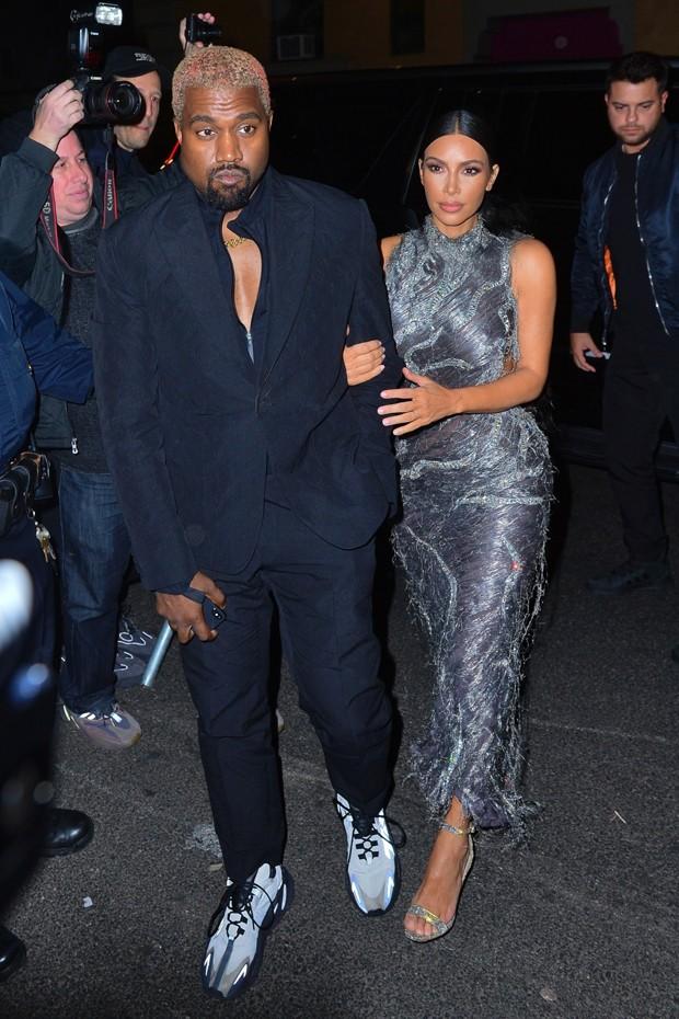 Kim Kardashian e Kanye West (Foto: Backgrid)