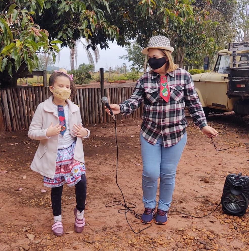 Família da menina Maria Lis, de nove anos, ajuda a creche com doações — Foto: Arquivo pessoal