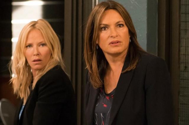 Kelli Giddish e Mariska Hargitay em cena de 'Law & order: SVU' (Foto: Barbara Nitke/NBC)