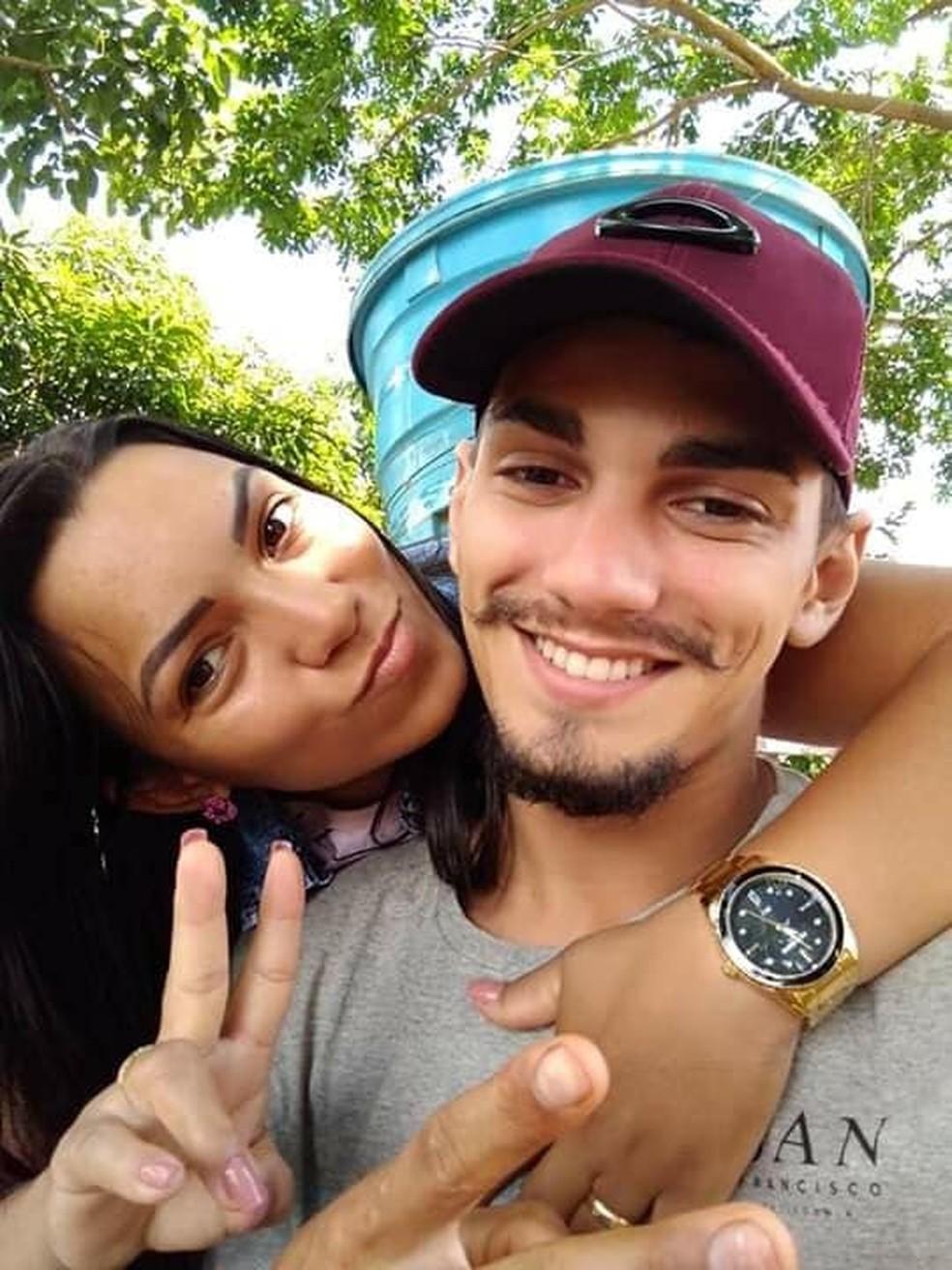 Francinne e Renan morreram em acidente — Foto: Facebook/ Reprodução