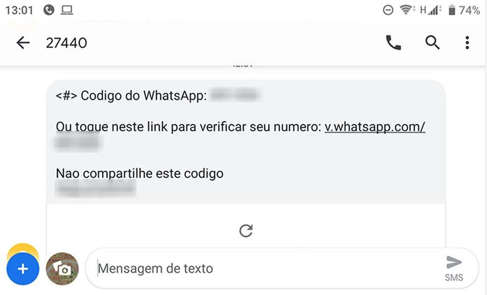 Mensagem de SMS traz código de seis dígitos que ativa o WhatsApp e alerta para que usuário não o compartilhe. — Foto: Reprodução