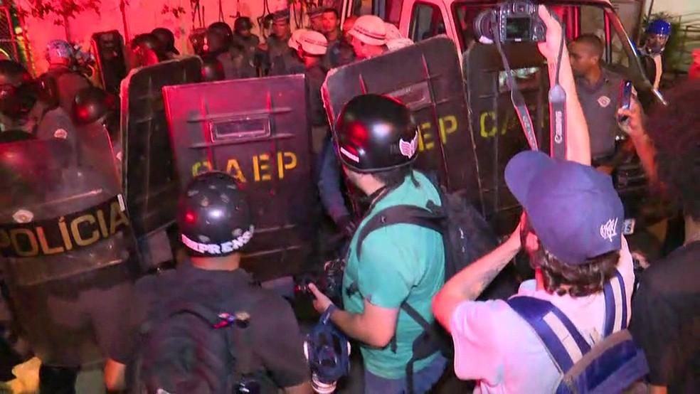Confusão na Estação Brás da CPTM (Foto: GloboNews/Reprodução)