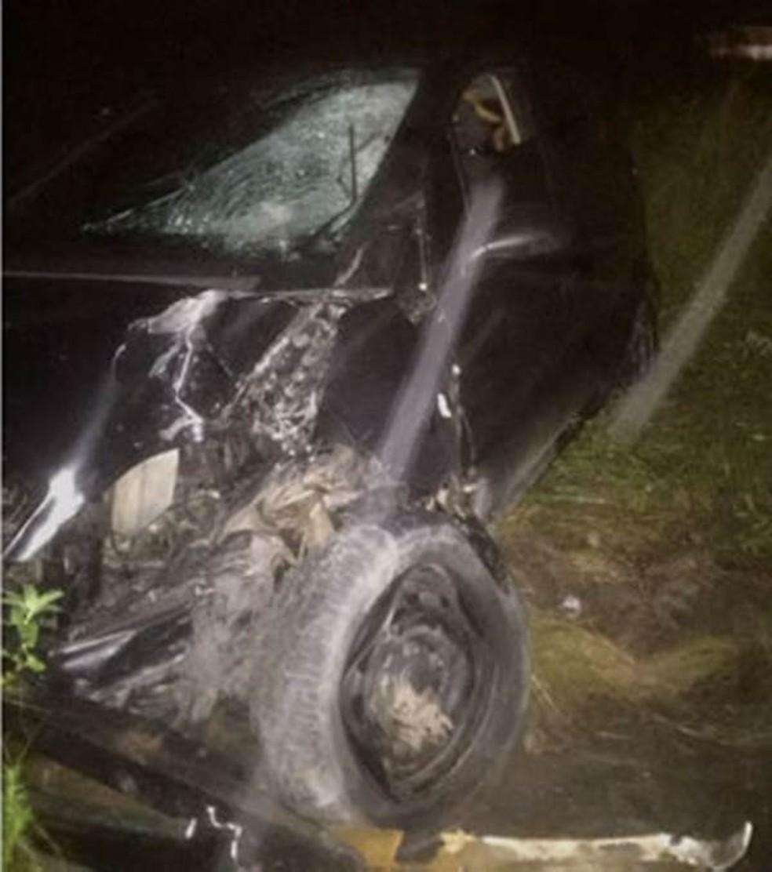 Carro após ser colisão em Angelim (Foto: WhatsApp/Reprodução)