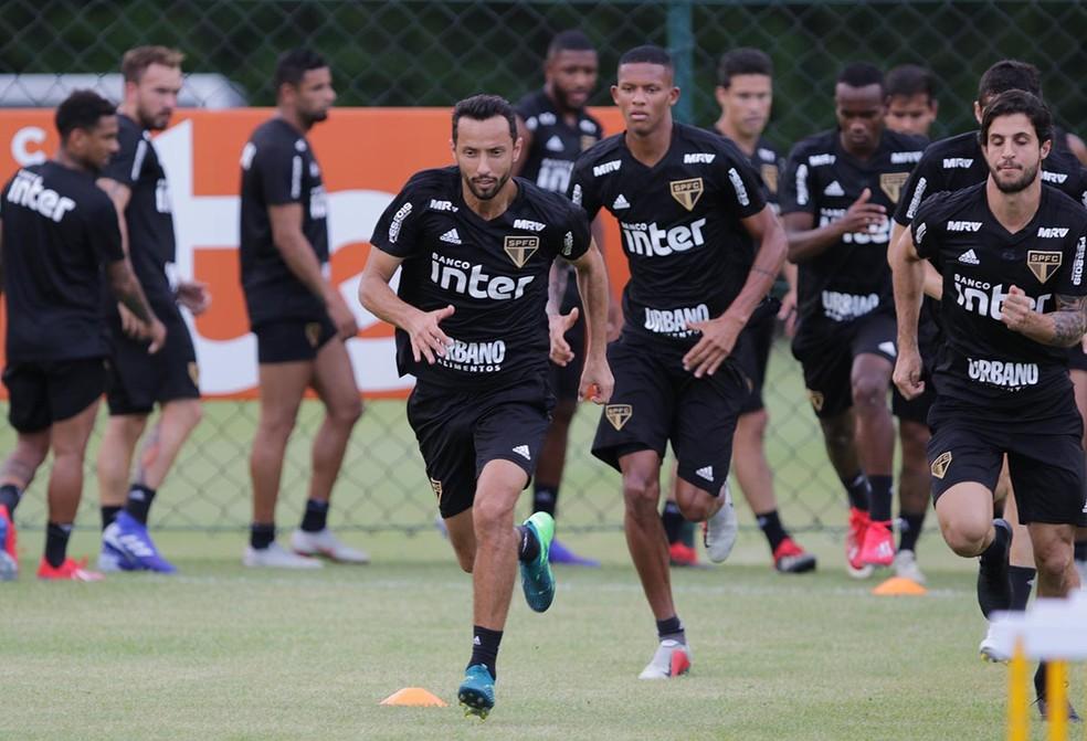Nenê está no provável time do São Paulo para a estreia do Paulista — Foto: Rubens Chiri / saopaulofc.net