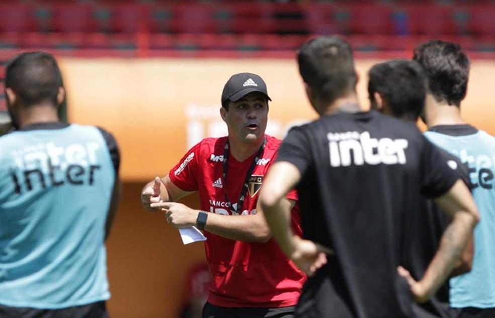 André Jardine está mais pressionado no comando do São Paulo — Foto: Rubens Chiri/saopaulofc.net