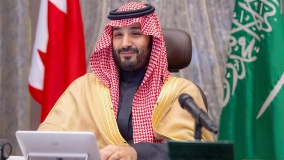 As tentativas reformistas do príncipe Bin Salmán foram ofuscadas por acusações de violações dos direitos humanos. — Foto: Reuters