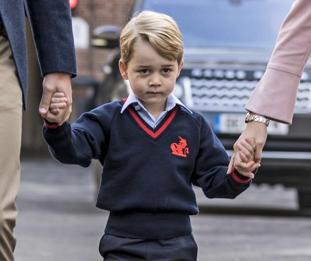 Príncipe George vai à escola (Foto: Getty Images)
