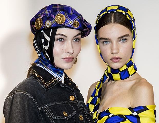 Lenços e chapéus foram um ponto alto da Semana de Moda de Milão (Foto: Imaxtree)