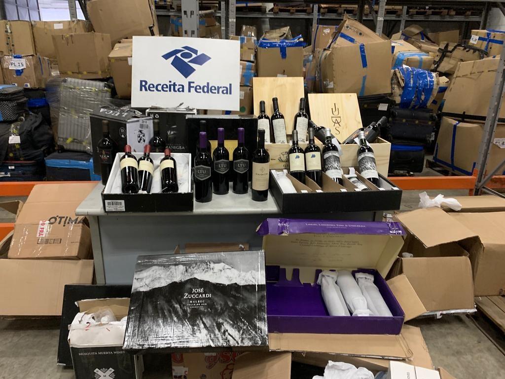 Receita Federal apreende carga de vinho argentino avaliada em R$ 75 mil em Del Castilho