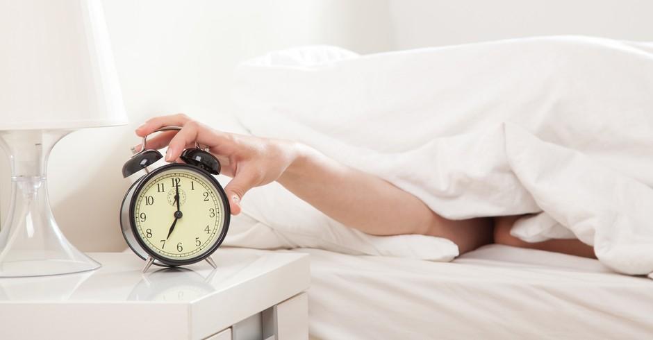 Dormir mais alguns minutinhos ou se levantar? (Foto: Reprodução)