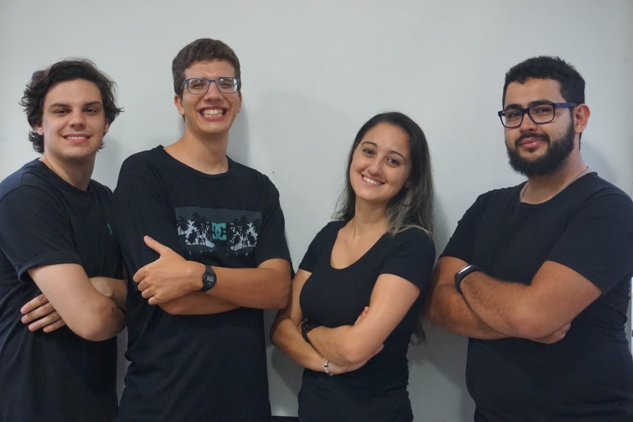Coronavírus: Professores criam plataforma para ajudar estudantes de escolas públicas que vão prestar vestibular