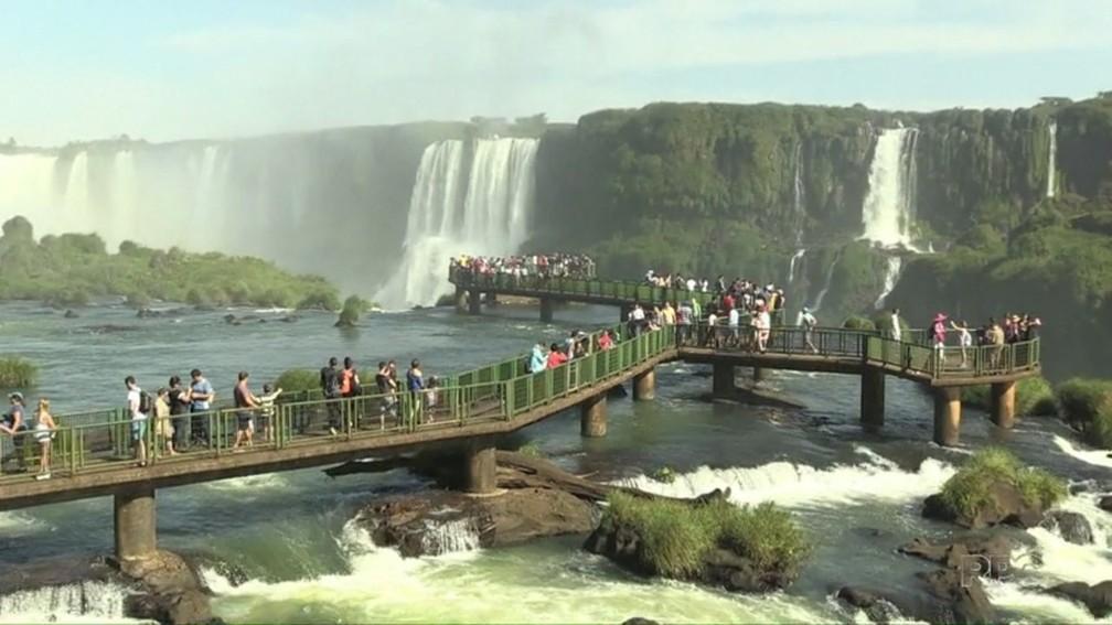 Aumento no movimento do Parque Nacioal do Iguaçu, onde ficam as Cataratas do Iguaçu, já é 5% maior que o registrado em 2017 — Foto: Reprodução