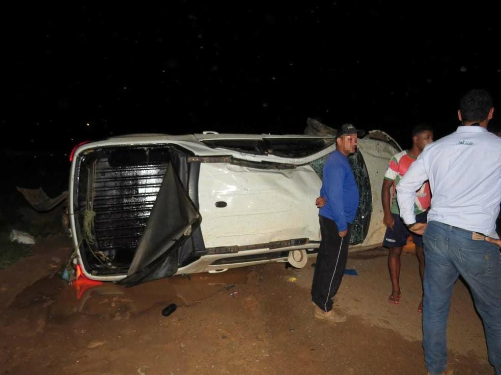 Caso ocorreu na BR-020, na altura da cidade de Luís Eduardo Magalhães, na região oeste da Bahia, na quinta-feira (28).  — Foto: Blog do Braga