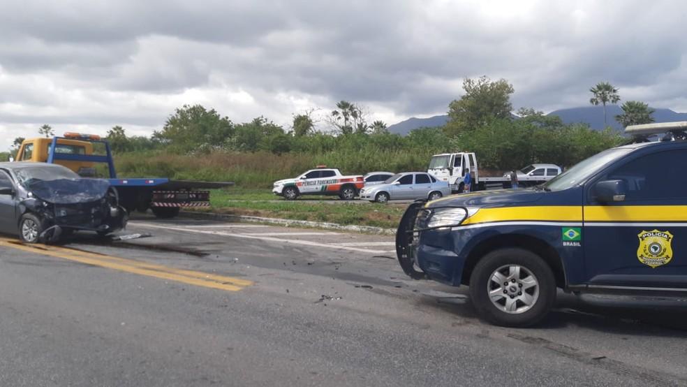 Acidente aconteceu na manhã deste domingo (7) — Foto: Divulgação/PRF