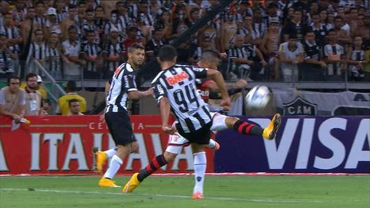 Acostumado a enfrentar o Flamengo e com boas lembranças, Luan mira mais uma vitória do Atlético-MG para zoar familiares