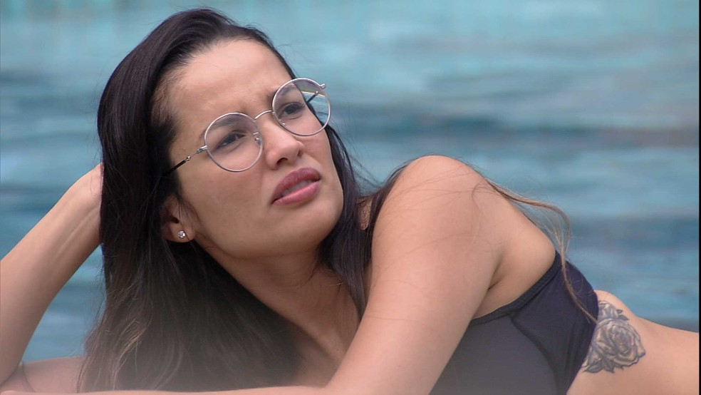 BBB21: Juliette dispara para Karol Conká: 'Vocês fizeram muita piada' — Foto: Globo