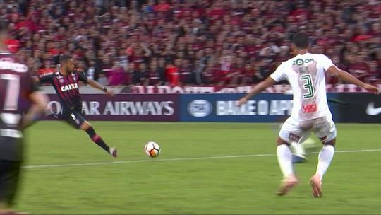 Melhores momentos de Atlético-PR 2 x 0 Fluminense pela semifinal da Copa Sul-Americana