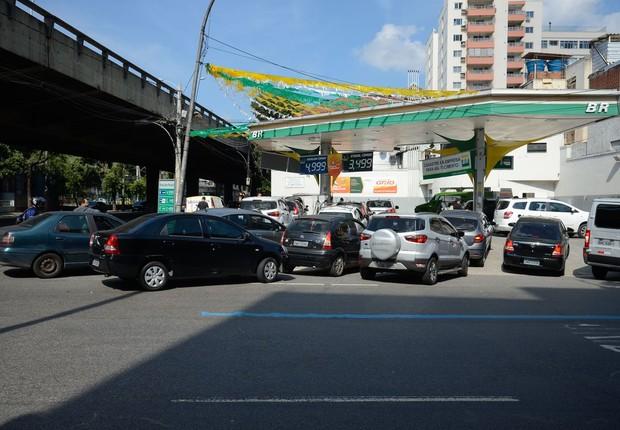 Greve dos caminhoneiros provoca fila para abastecimento no Rio (Foto: Tomaz Silva/Agência Brasil)