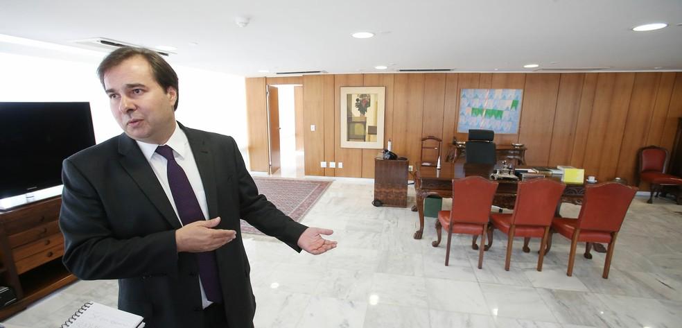 Presidente da Câmara, Rodrigo Maia, está interinamente no comando do Planalto (Foto: Estadão Conteúde/André Dusek)