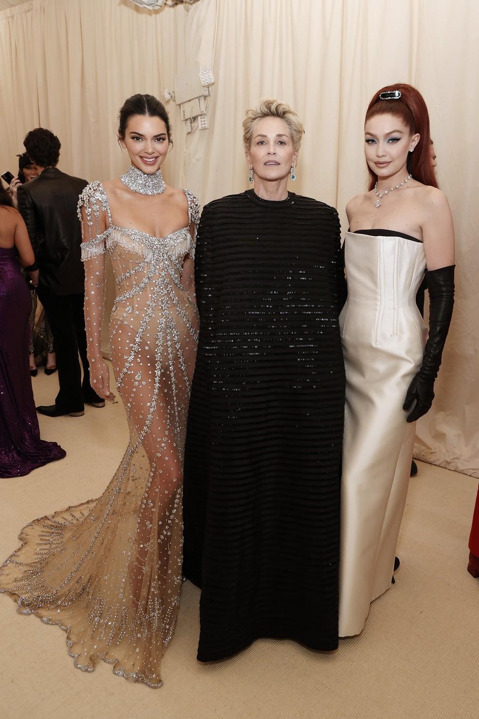 Kendall Jenner, Sharon Stone e Gigi Hadid no Met Gala — Foto: Arturo Holmes/MG21/Getty Images