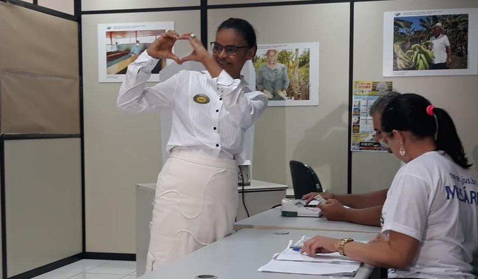Marina Silva ao votar neste domingo, em Rio Branco — Foto: Iriá Rodrigues / G1