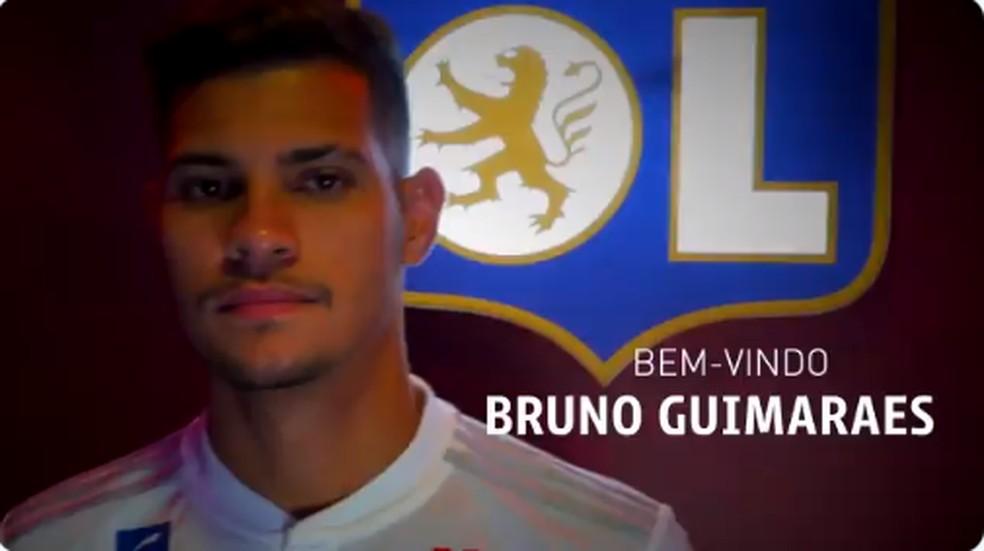 Bruno Guimarães é anunciado oficialmente pelo Lyon — Foto: Reprodução / Twitter