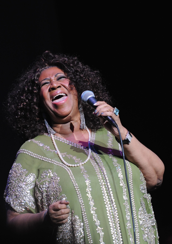Aretha Franklin recebe visitas de Stevie Wonder, Jesse Jackson e ex-marido 2
