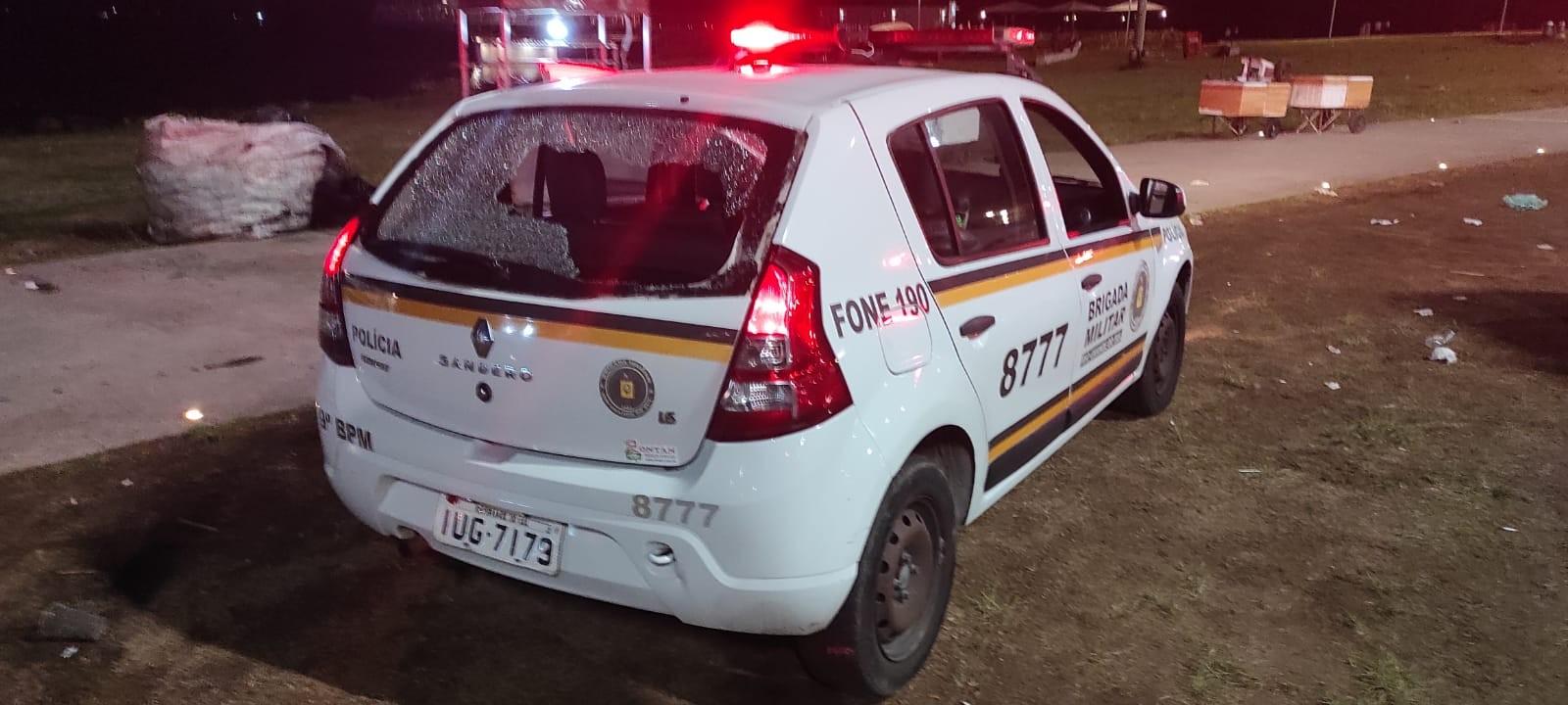 Viatura da BM tem vidros quebrados e duas pessoas são detidas após confusão na Orla do Guaíba