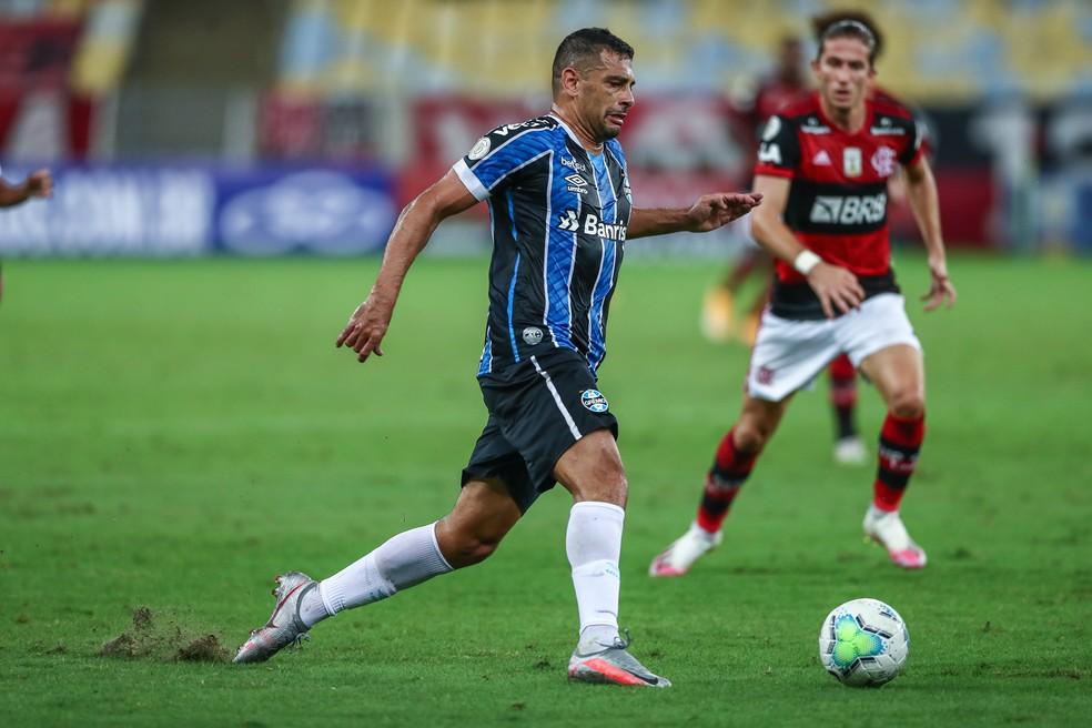 Diego Souza perdeu boa chance no início do segundo tempo — Foto: Lucas Uebel/Grêmio