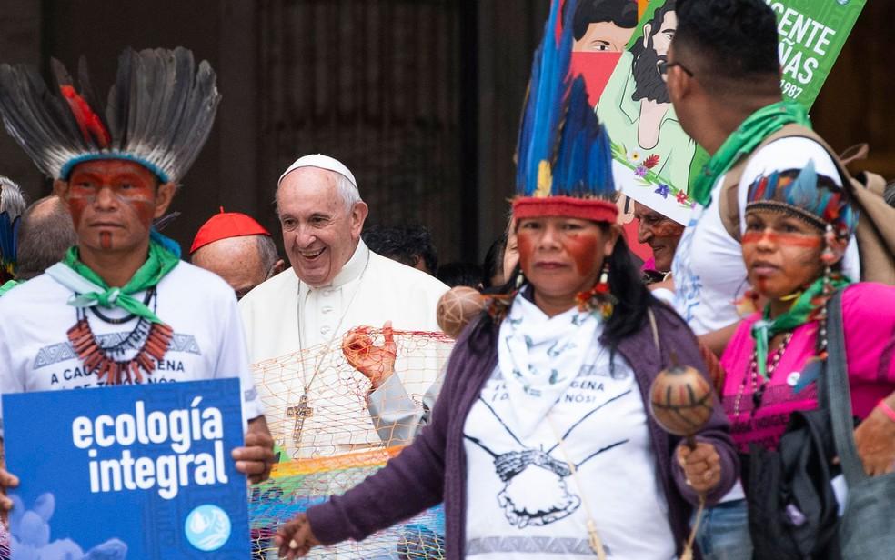 O Papa Francisco participou nesta segunda (7) da 1ª reunião de trabalho do Sínodo dos Bispos sobre a Amazônia — Foto: Claudio Peri/ANSA via AP