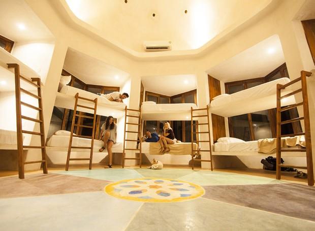 O hotel oferece opções de estadia compartilhada por 35 dólares (Foto: Holistika Hotel/ Reprodução)