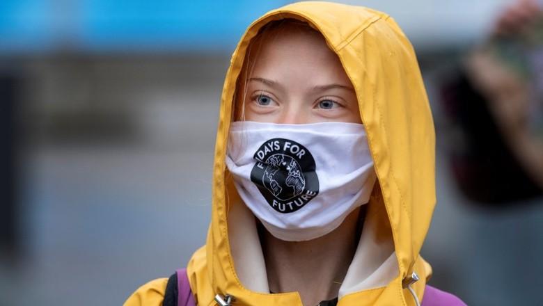 Greta Thunberg em protesto no Parlamento sueco em Estocolmo (Foto: Jessica Gow/TT News Agency/via REUTERS)