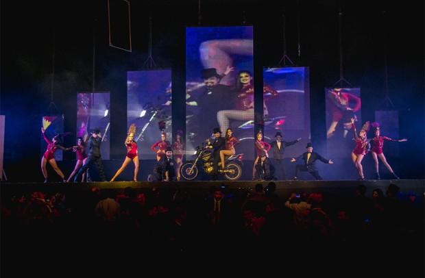 Apresentação do mágico no palco do evento (Foto: Caio Graça / Divulgação)
