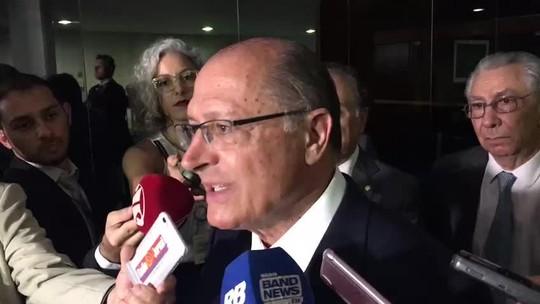 Alckmin pede a Eunício para Senado não votar teto para ICMS sobre querosene