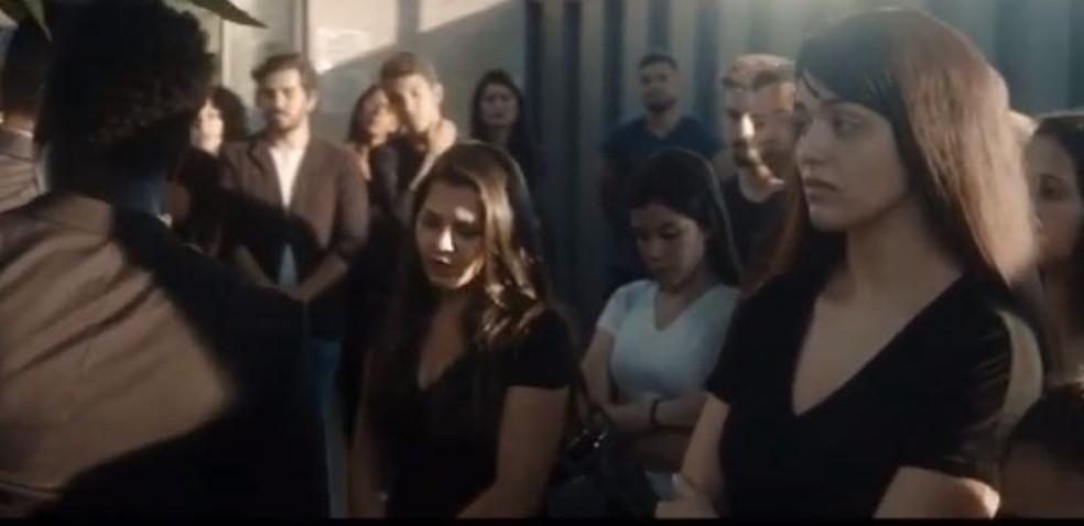 Em versão morena, ex-BBB diz que ficou emocionada durante cena — Foto: Reprodução/Instagram