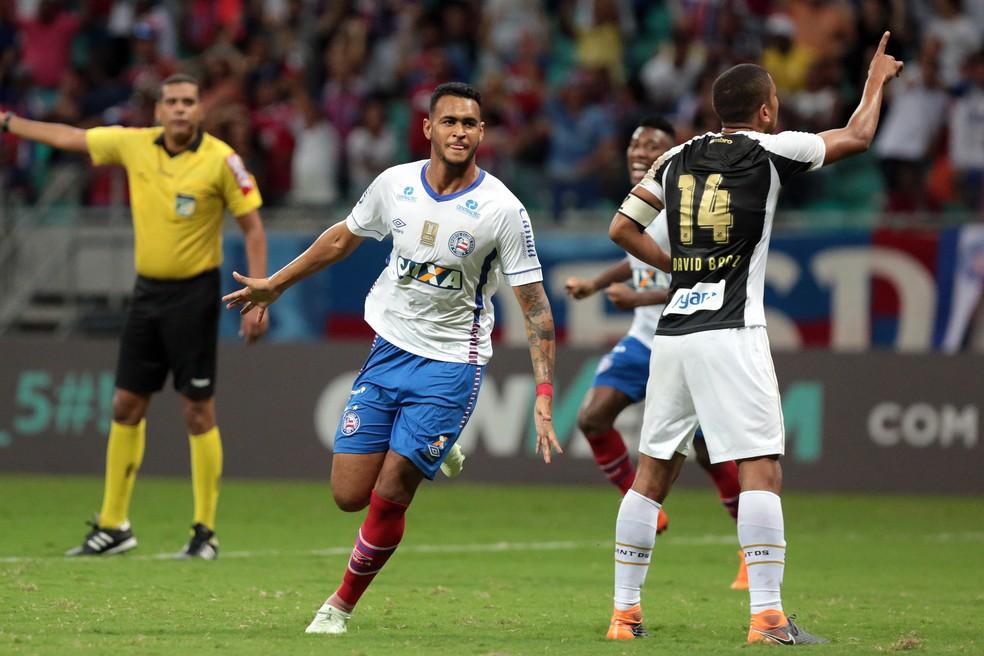 Jogador de 19 anos foi negociado com clube da Dinamarca — Foto: Raul Spinassé/A Tarde/Futura Press