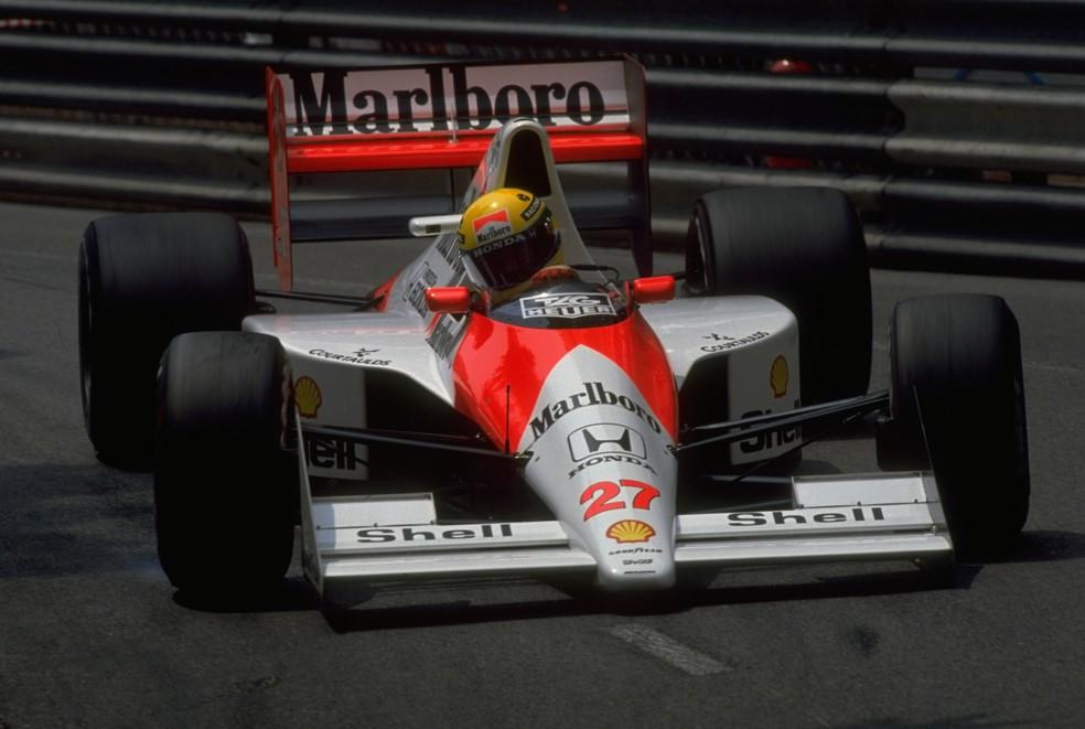 Senna pilota McLaren no circuito de Mônaco em 1990 — Foto: Getty Images