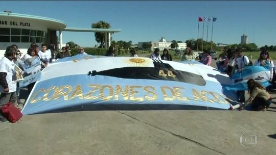 Famílias de tripulantes pedem resgate de submarino argentino