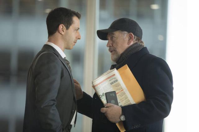 Jeremy Strong e Brian Cox em 'Succession' (Foto: Divulgação/HBO)