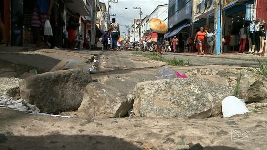 Em situação precária, Rua Grande tem nova data para ser reformada