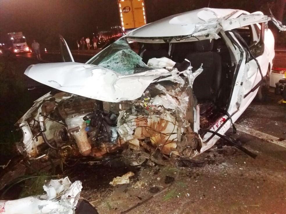 Ex-jogador estava em carro que colidiu de frente com caminhão em Maravilha (Foto: PRF/Divulgação)