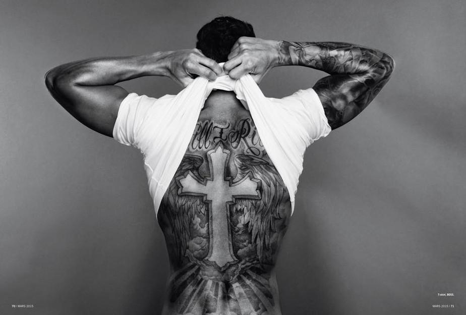 Em bate-papo descontraído, Hamilton fala sobre seu amor pelas tatuagens