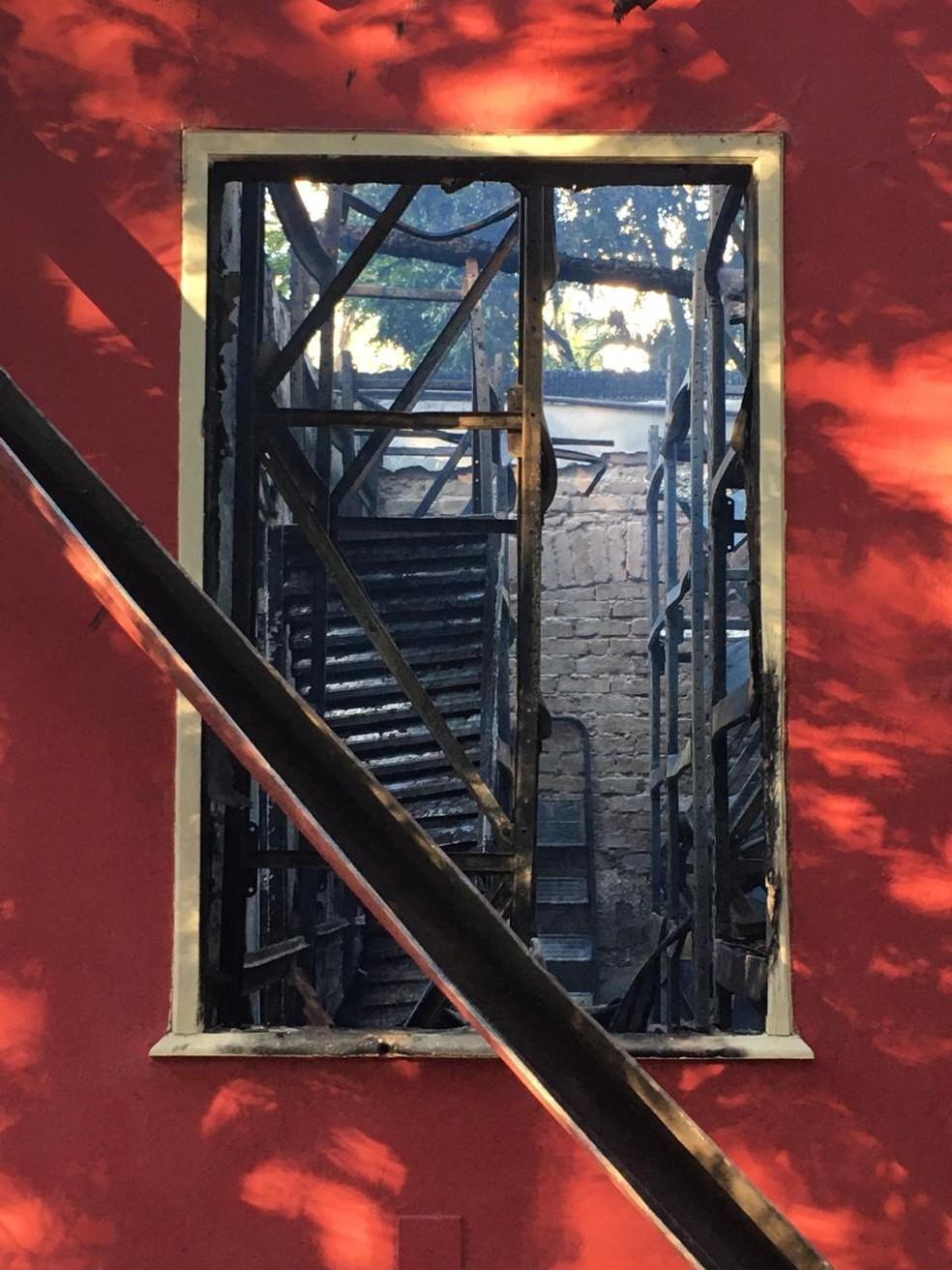Incêndio destruiu prédio no Museu de História Natural da UFMG — Foto: Divulgação / Cobom